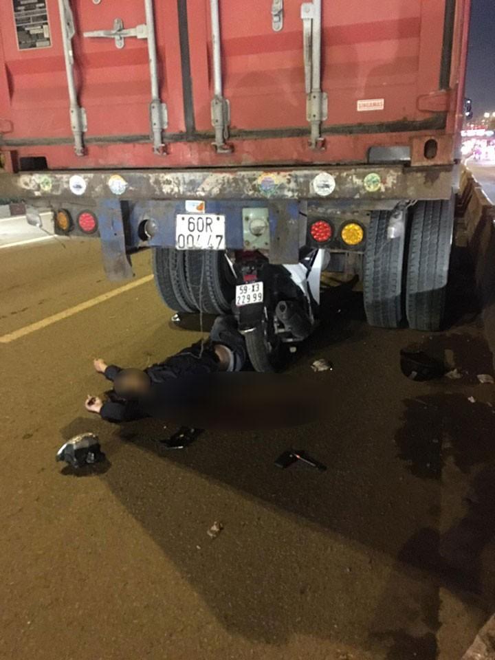 Hiện trường vụ tai nạn trên Xa lộ Hà Nội