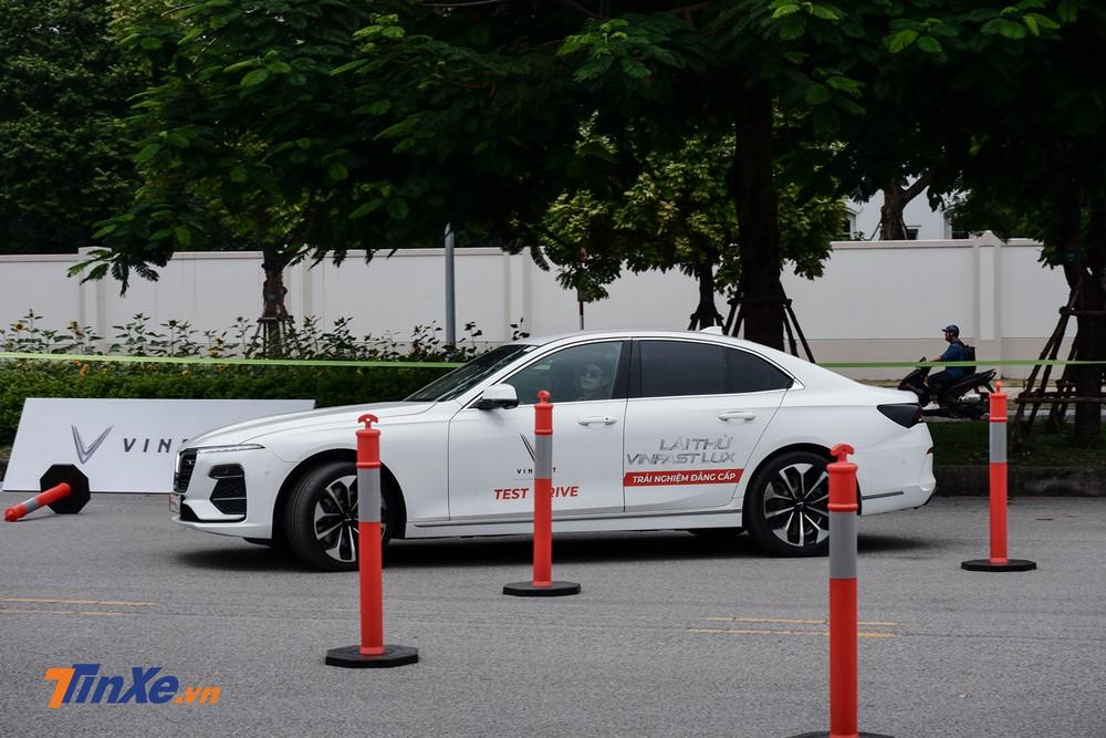 Bài chạy số 2 này nhắm vào việc thử thách độ linh hoạt cũng như các tính năng an toàn của xe