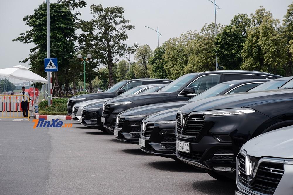 Hãng xe Việt đem đến khá nhiều lượng xe Lux A2.0 và Lux SA2.0 để phục vụ khách tham gia chương trình
