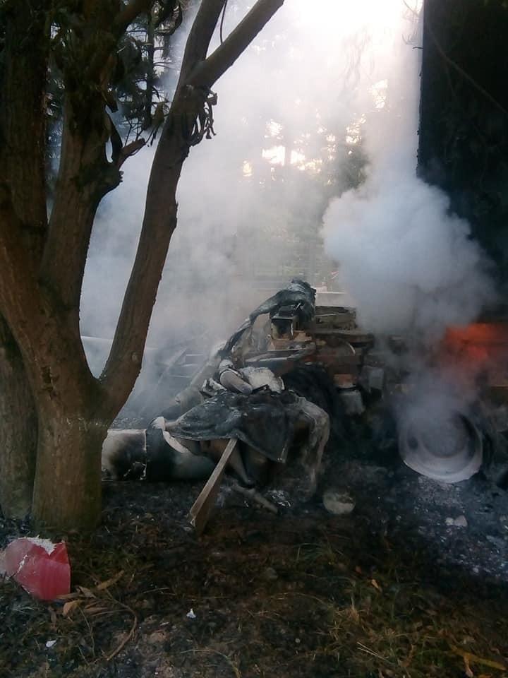 Chiếc xe container bốc cháy tại hiện trường