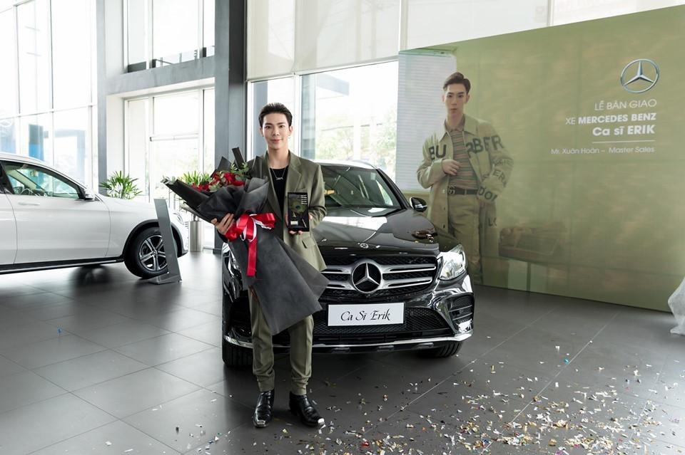 Ca sĩ Erik mới nhận bàn giao chiếc SUV hạng sang Mercedes-Benz GLC 300 AMG