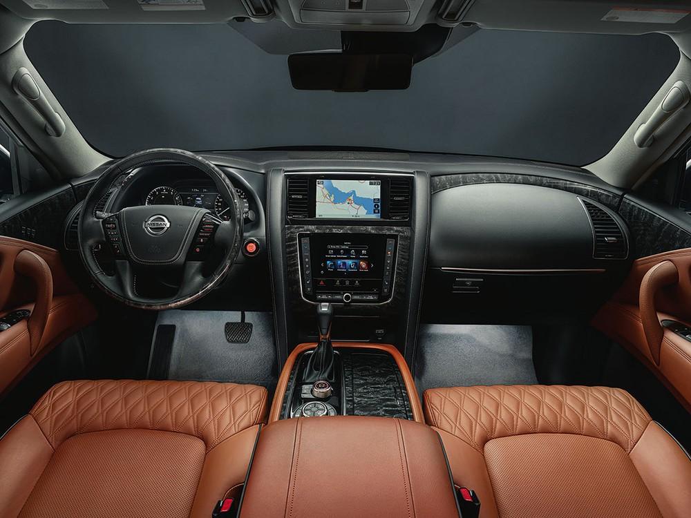 Nội thất bên trong Nissan Patrol 2020