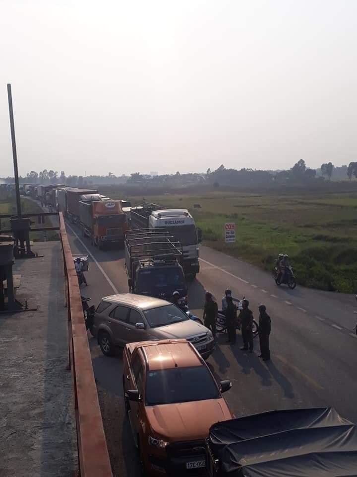 Vụ tai nạn khiến giao thông bị ùn tắc kéo dài
