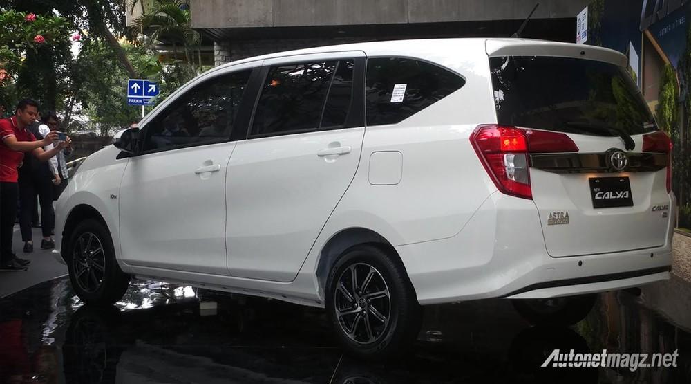 Toyota Calya 2020 được trang bị đèn hậu theo phong cách của Innova