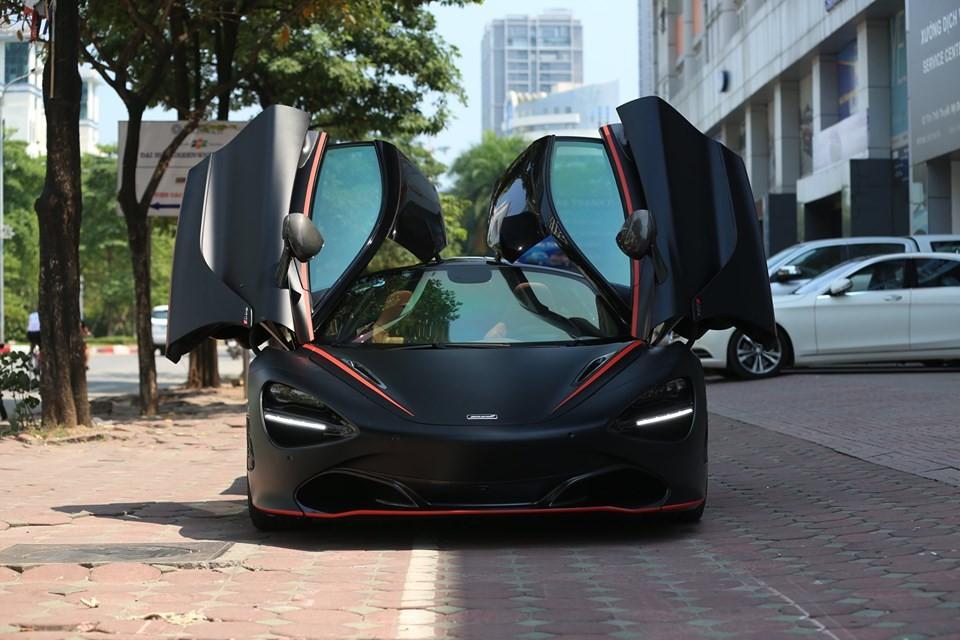 Siêu xe McLaren 720S Batman mới được chuyển từ Sài thành ra Hà Nội để tìm kiếm người mua mới