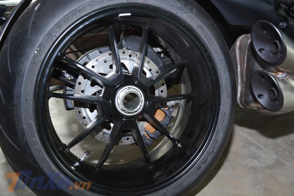 Bộ mâm của Ducati Diavel 1260S thiết kế khác biệt so với Ducati Diavel 1260