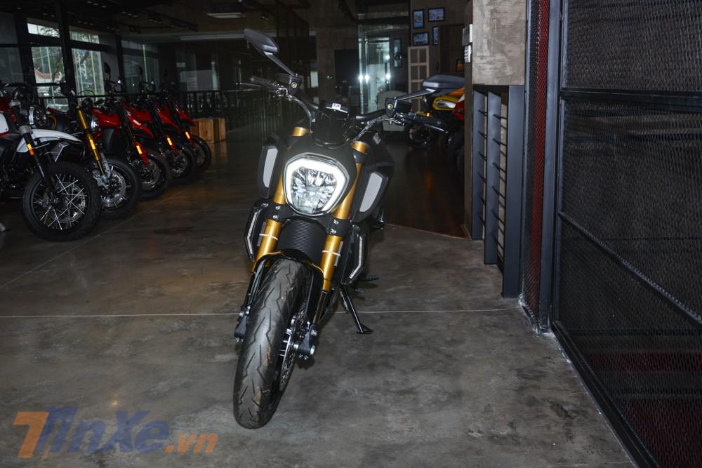 Đánh giá xe Ducati Diavel 1260S 2019