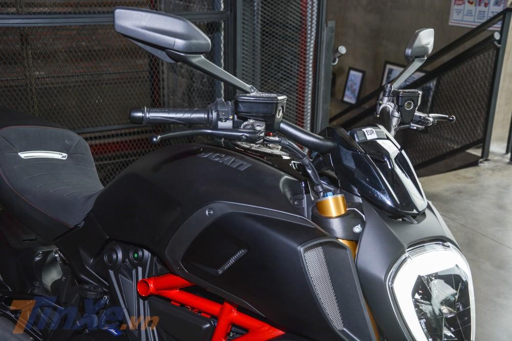 Màu Thrilling Black chỉ có trên phiên bản đặc biệt của Ducati Diavel 1260 2019