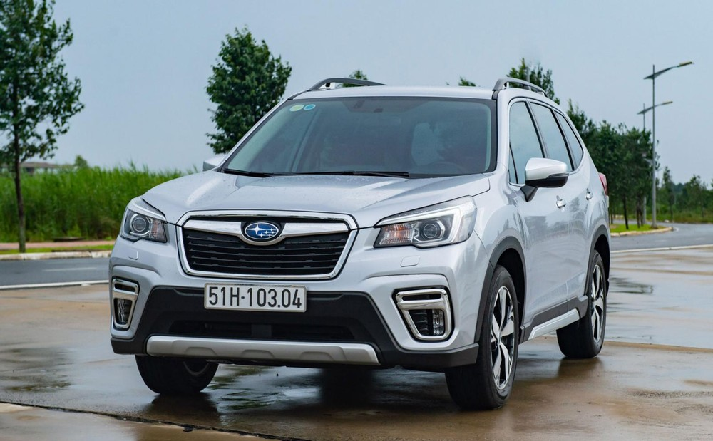 Subaru Forester màu trắng ngọc trai