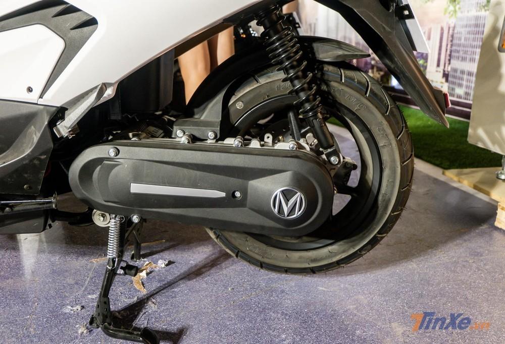 MBIGO MBI S trang bị mô tơ điện cùng hệ truyền động, khác với mô tơ điện tích hợp ở bánh sau như các mẫu xe máy điện khác