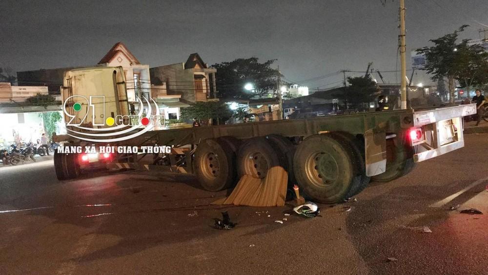 Hiện trường vụ tai nạn thương tâm tại Đồng Nai