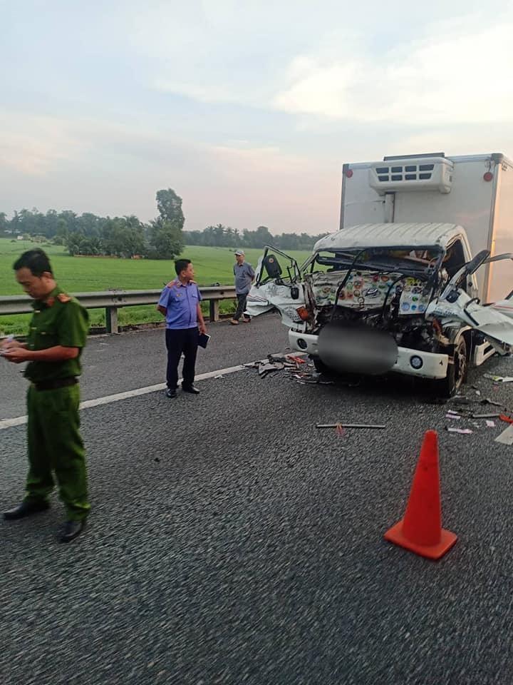 Hiện trường vụ tai nạn nghiêm trọng khiến 2 bố con tử vong