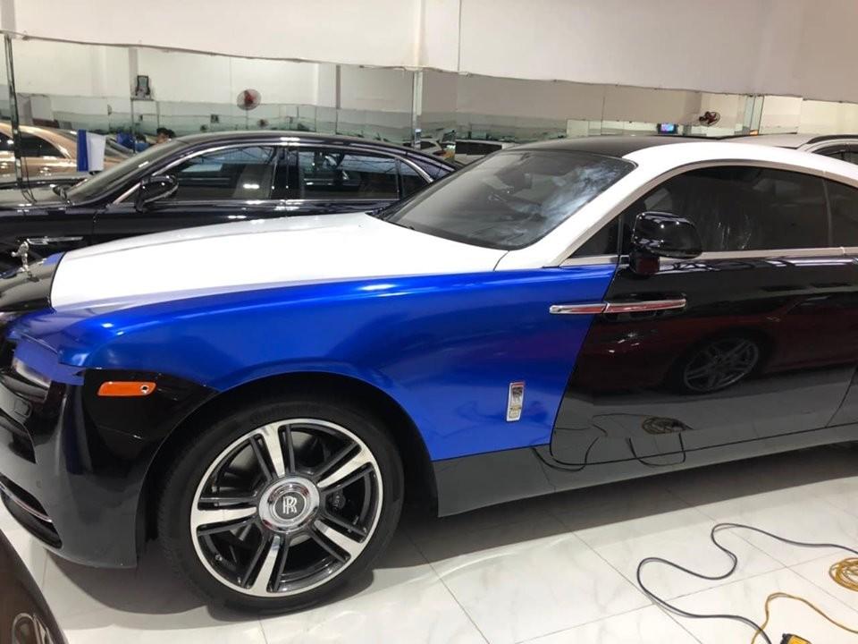 Rolls-Royce Wraith của nhà giàu Việt đang được thay áo cực chất giống với xe của đại gia Trung Đông