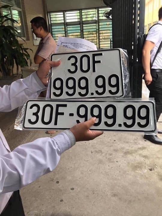 Nhiều người cho rằng chiếc xe Hyundai Santa Fe 2019 sẽ tăng giá mạnh nhờ vào chiếc biển số siêu đẹp, siêu độc này.