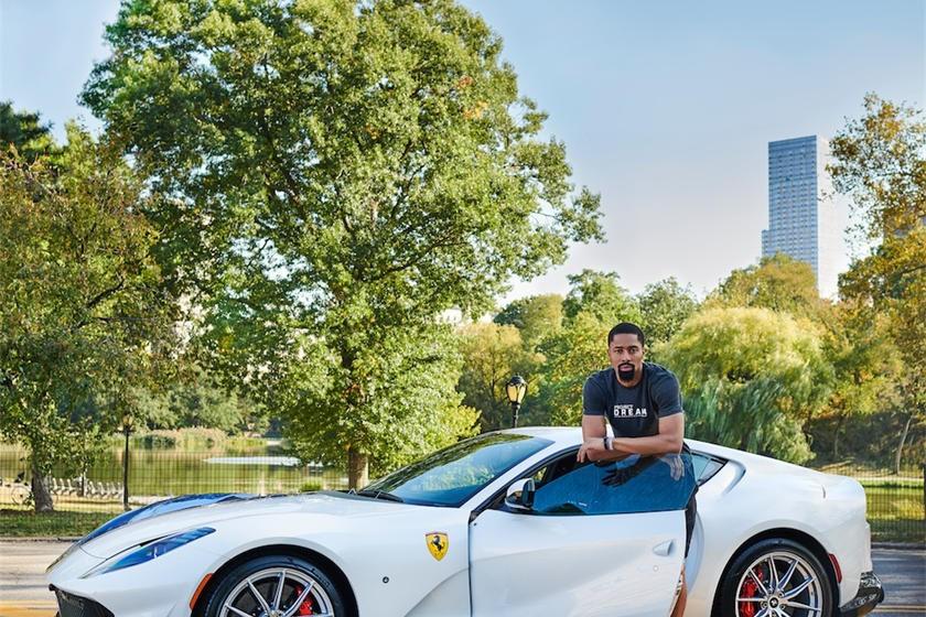 Spencer Dinwiddie cùng siêu xe Ferrari 812 Superfast với chương trình cá nhân hoá Tailor Made