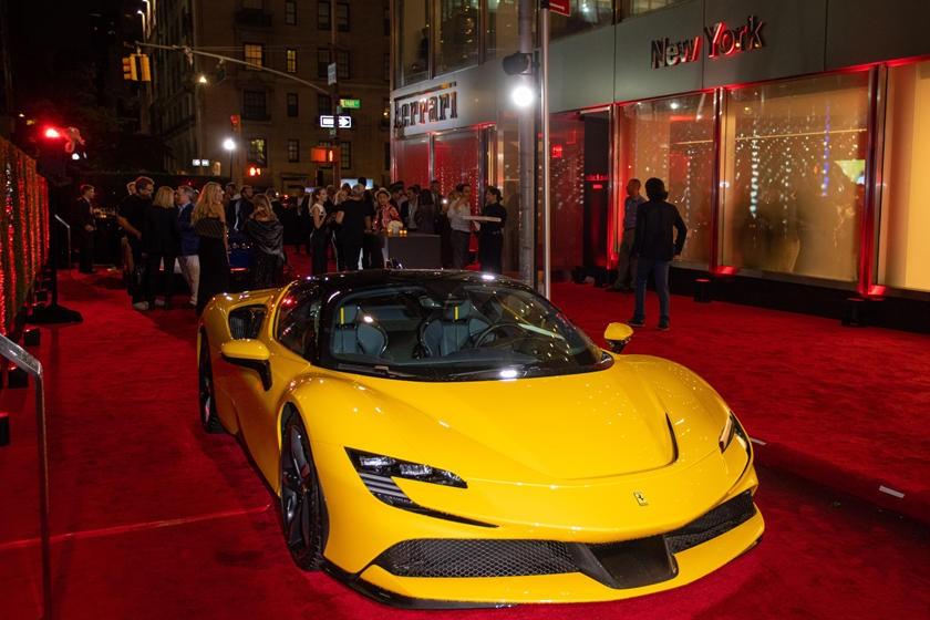 Siêu phẩm Ferrari SF90 Stradale
