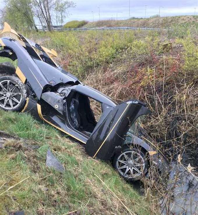 Hiện trường vụ tai nạn đầu tiên của chiếc Koenigsegg Agera RS Gryphon