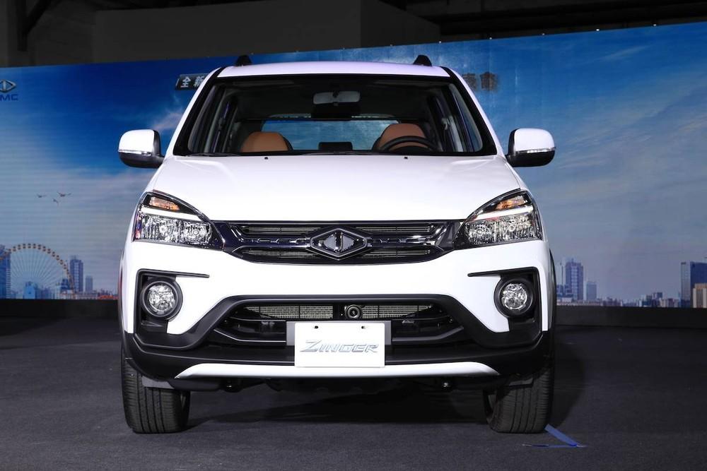 Cận cảnh đầu xe của Mitsubishi Zinger 2020