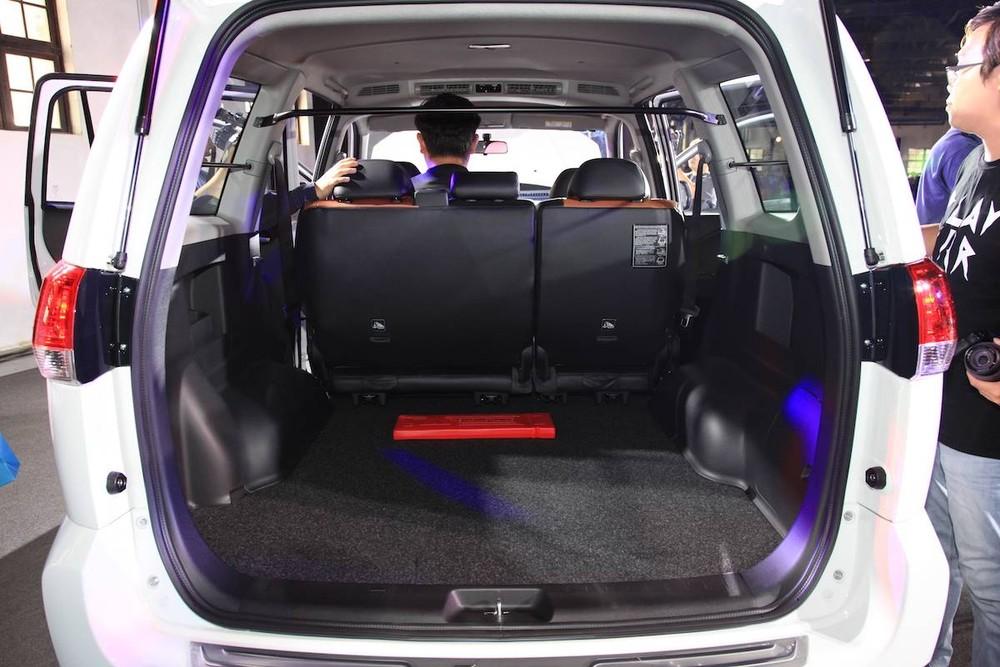 Khoang hành lý của Mitsubishi Zinger 2020