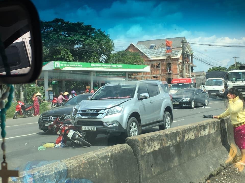 Hiện trường vụ tai nạn trên quốc lộ 51