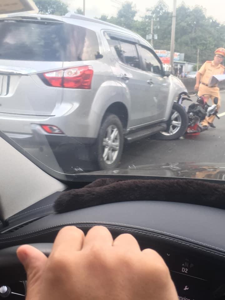 Chiếc xe máy bị vỡ nát sau vụ tai nạn