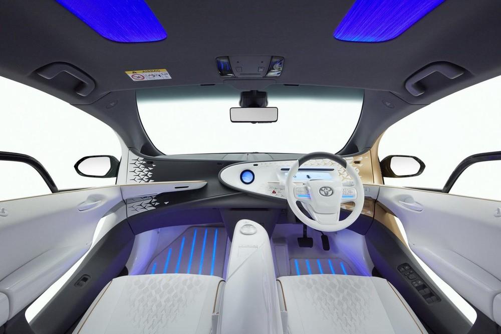 Thiết kế nội thất bên trong Toyota LQ