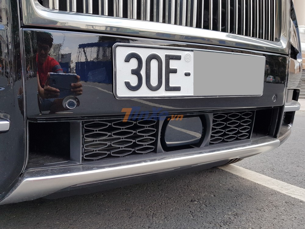 SUV siêu sang Rolls-Royce Cullinan được trang bị động cơ V12, tăng áp kép, dung tích 6.75 lít, sản sinh công suất tối đa 563 mã lực