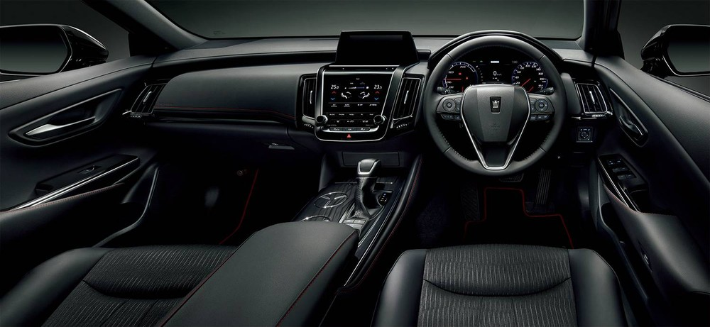 Nội thất của Toyota Crown Sport Style 2020