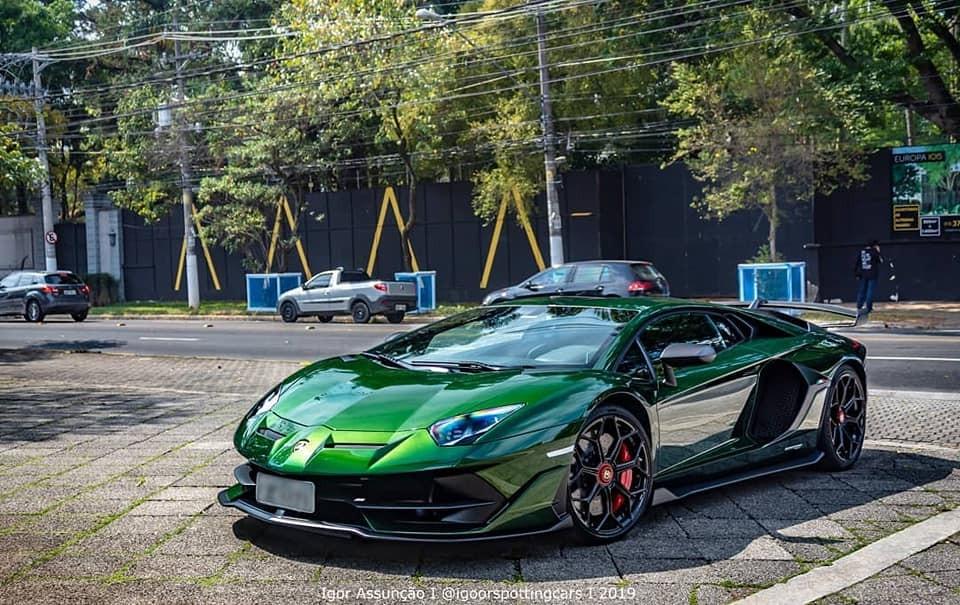 Đã hiếm, chiếc siêu xe Lamborghini Aventador SVJ này còn mang bộ áo siêu độc Verde Ermes