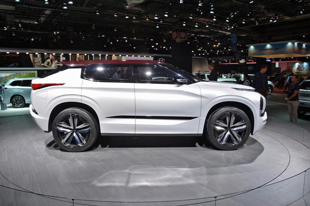 Thiết kế sườn xe với nóc thấp của Mitsubishi Ground Tourer