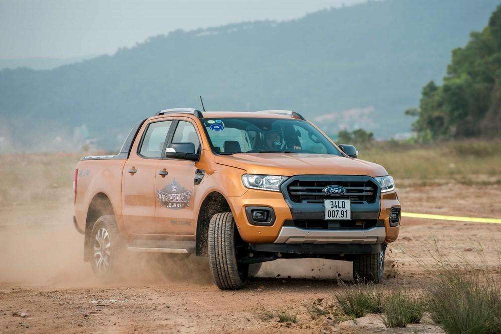 """Ford Ranger tiếp tục khẳng định vị thế """"vua bán tải"""" với doanh số quý 3 đạt 3.538 xe"""