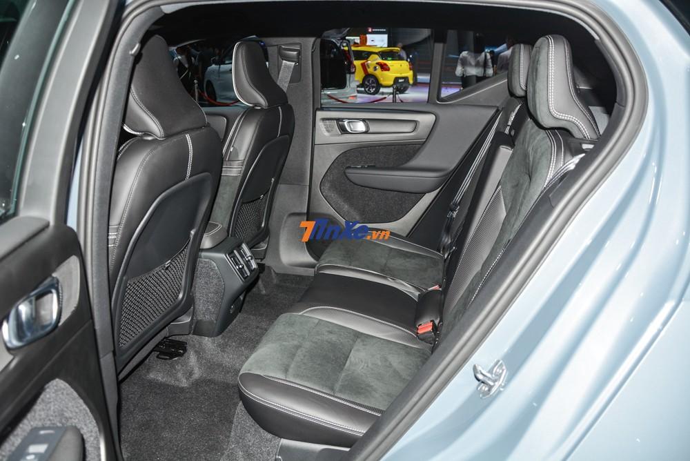 Hàng ghế phía sau của Volvo XC40 nhỏ gọn và đơn giản
