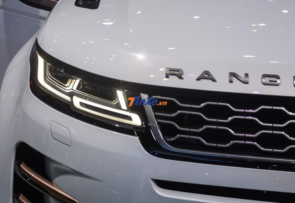 Tiếp theo đó là phần đèn pha LED của Range Rover Evoque thế hệ thứ 2 có thiết kế giống với Range Rover Velar