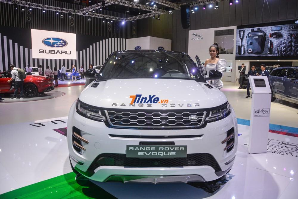 đối thủ chính của Range Rover Evoque 2020 vẫn là mẫu xe Porsche Macan đang được bán chính hãng từ 3,1 tỷ đồng