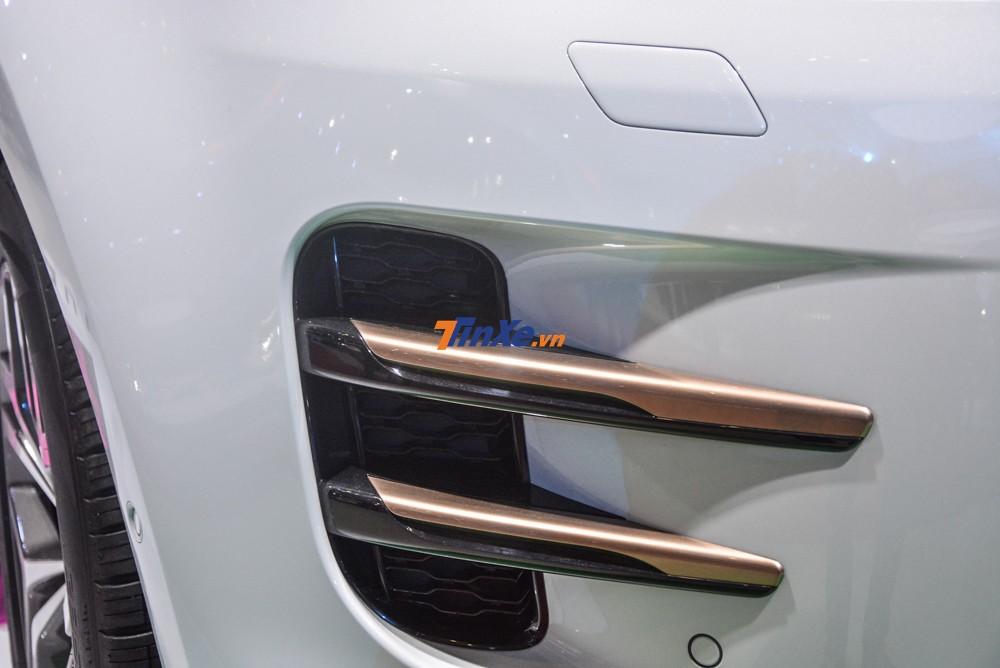 Range Rover Evoque 2020 có thể lội nước sâu 600mm