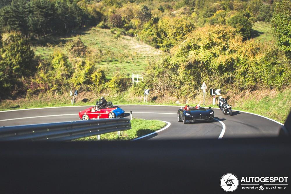 Mỗi chiếc Ferrari Monza SP2 có giá gần 2 triệu đô la