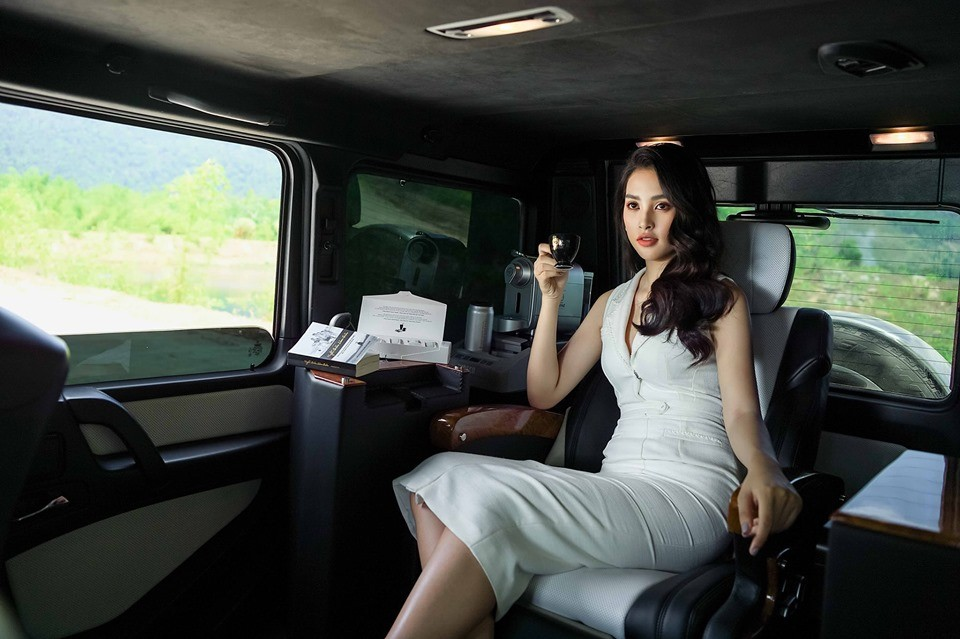 Cô gái trong ảnh là Trần Tiểu Vy, Hoa hậu Việt Nam 2018