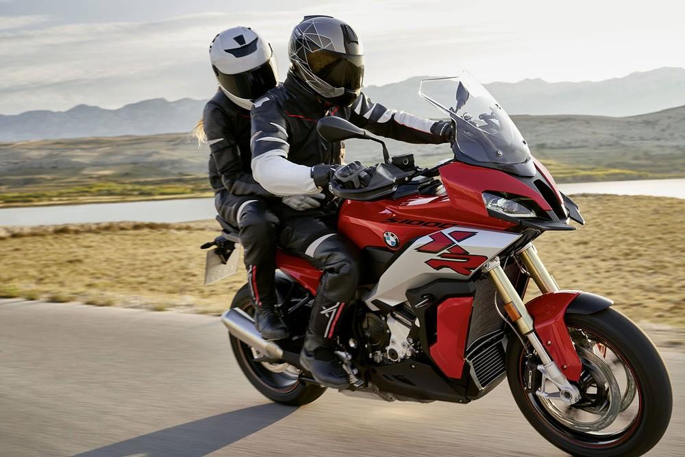 BMW S1000XR 2020 có thiết kế cơ bắp hơn