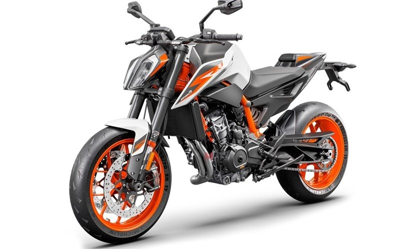 Naked bike KTM 890 Duke R 2020