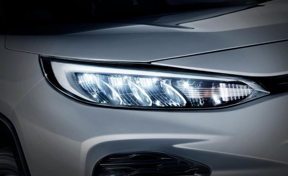 Cận cảnh cụm đèn pha của Toyota Wildlander 2020