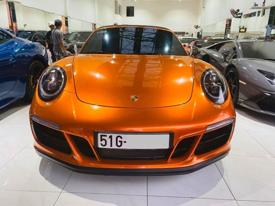 Porsche 911 Targa 4 GTS đời 2018 độc nhất tại Việt Nam có giá bán chính hãng 11,253 tỷ đồng