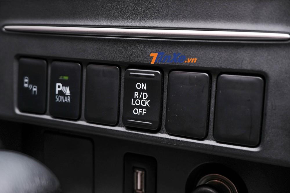 Đặc biệt, tính năng khóa vi sai cầu sau đã được bổ sung, hứa hẹn đem tới những trải nghiệm off-road thú vị hơn cho người lái