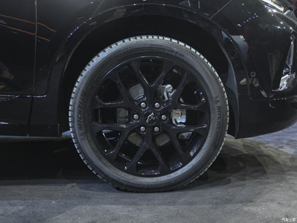 Bộ vành 20 inch đa chấu màu đen của Chevrolet Blazer RS Sport 2020
