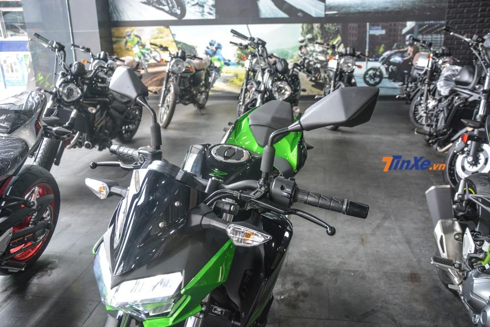 Gương chiếu hậu của Kawasaki Z400 thiết kế mới có tính năng chống trộm tốt hơn