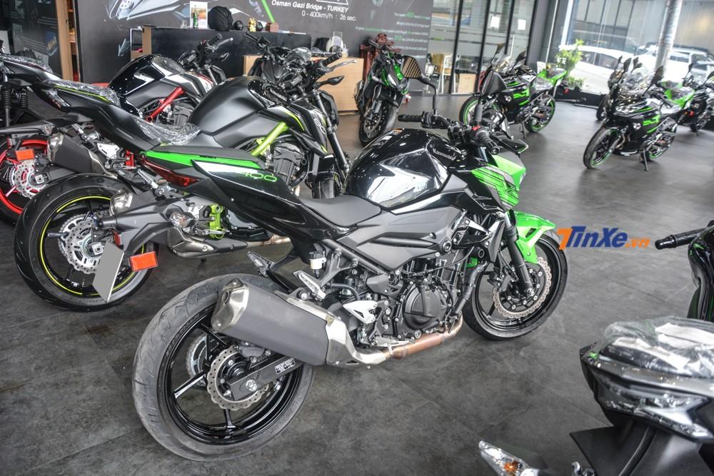 Kawasaki Z400 được trang bị khối động cơ 2 xy lanh, 399 phân khối