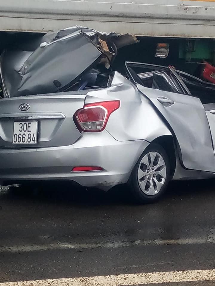 Hiện trường vụ tai nạn nghiêm trọng