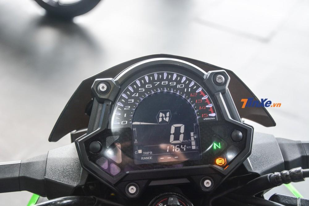 Bảng đồng hồ kỹ thuật số của Kawasaki Z400 2019