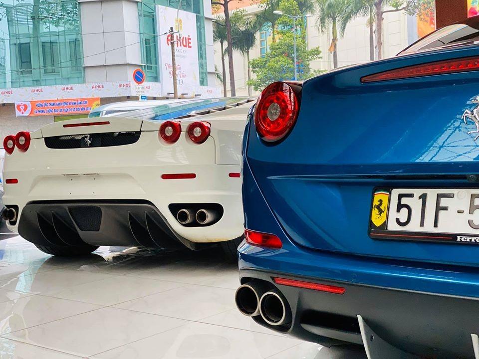 Ferrari F430 Coupe và Ferrari California T này từng định cư cùng nhau tại vùng núi M'Đrắk