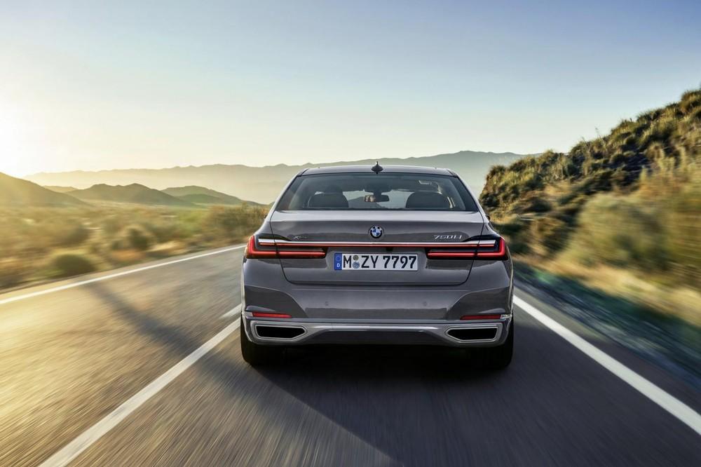 BMW 7-Series 2020 sở hữu dải đèn LED 3D bắt mắt