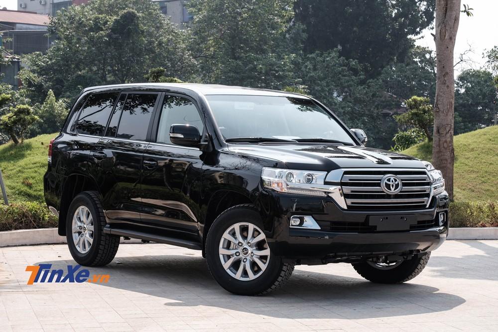 Toyota Land Cruiser 2020 chính hãng được bổ sung 4 tính năng, giá tăng 47 triệu đồng